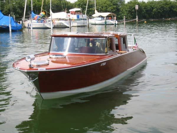 Edles Motorboot zu verkaufen