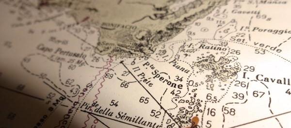 Umfrage: Papier-Seekarten an Bord
