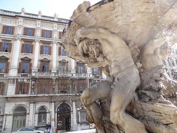 Piazza-vittorio-Peneto