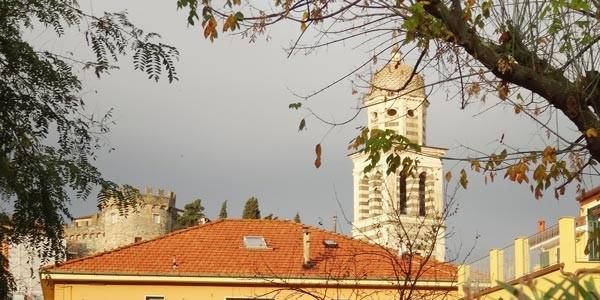 Levanto: Kirche und Schl0ß
