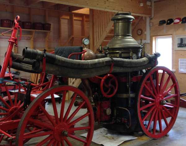 4 PS - Spritzenwagen aus dem 18. Jahrhundert ...