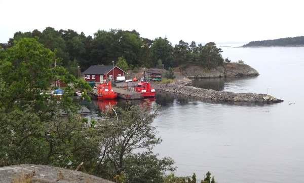 ... im Lotsenhafen, von See kommend rechts