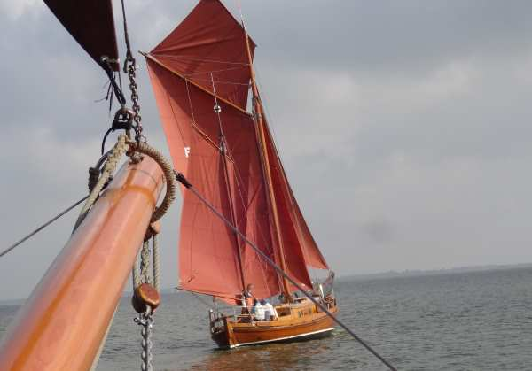 Zeesenboot Oldtimer-Regatta - traditionell & wuchtig
