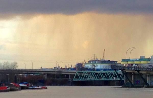 Wolkenbruch-ueber-Hamburg